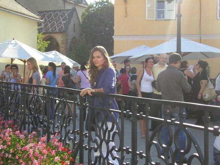 O poză pe Podul Minciunilor, dintr-un anotimp mai vesel - vara, 2011