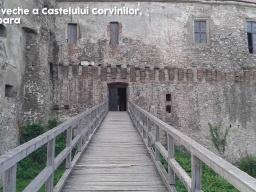 Poarta-Veche-A-Castelului-Corvinilor-Hunedoara